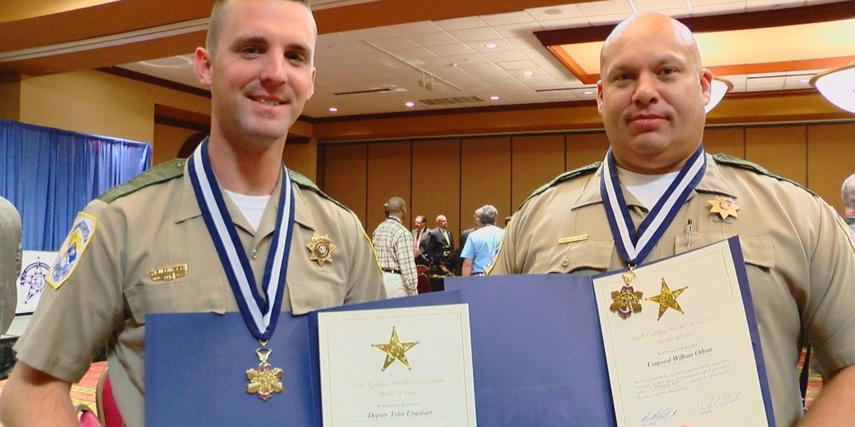 Two Florence County deputies honored for saving woman from burning car