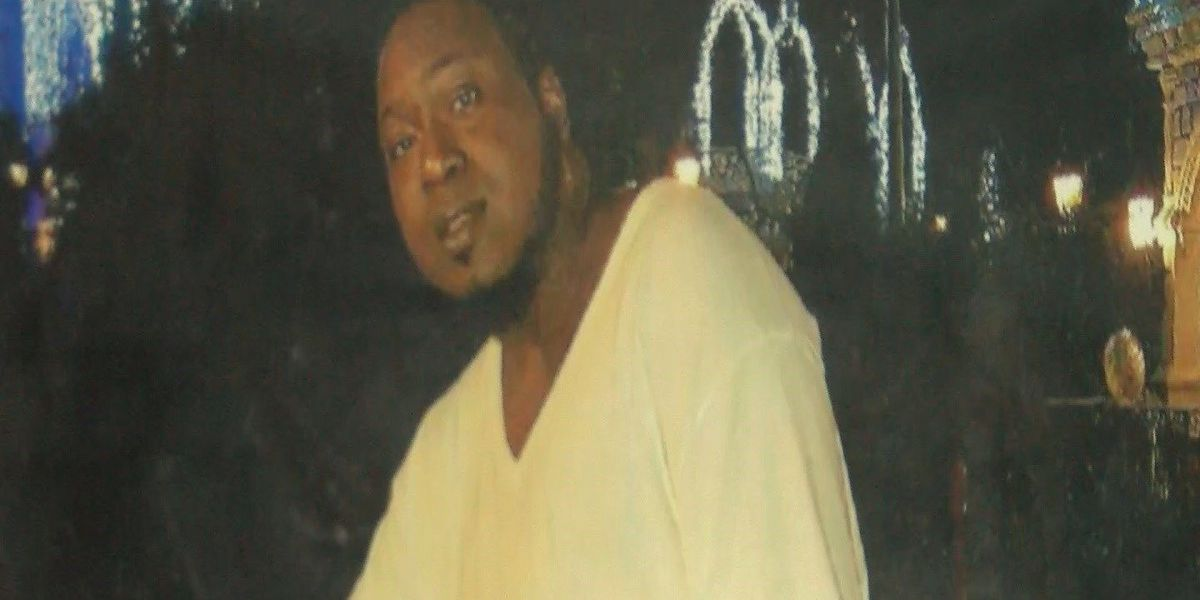 Group holds vigil for man found shot to death at home near backgate