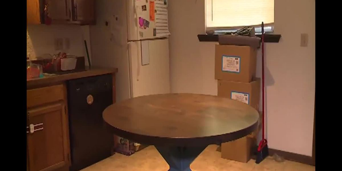 Single mother gets emotional after receiving donated table