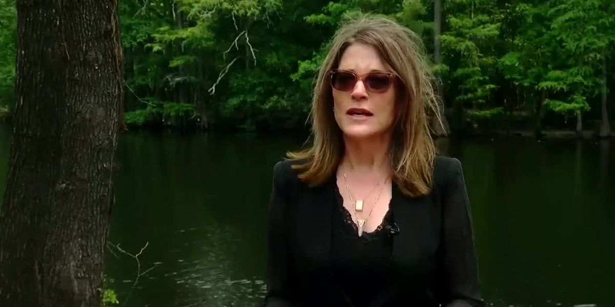 Democratic presidential candidate Marianne Williamson makes stop in Grand Strand