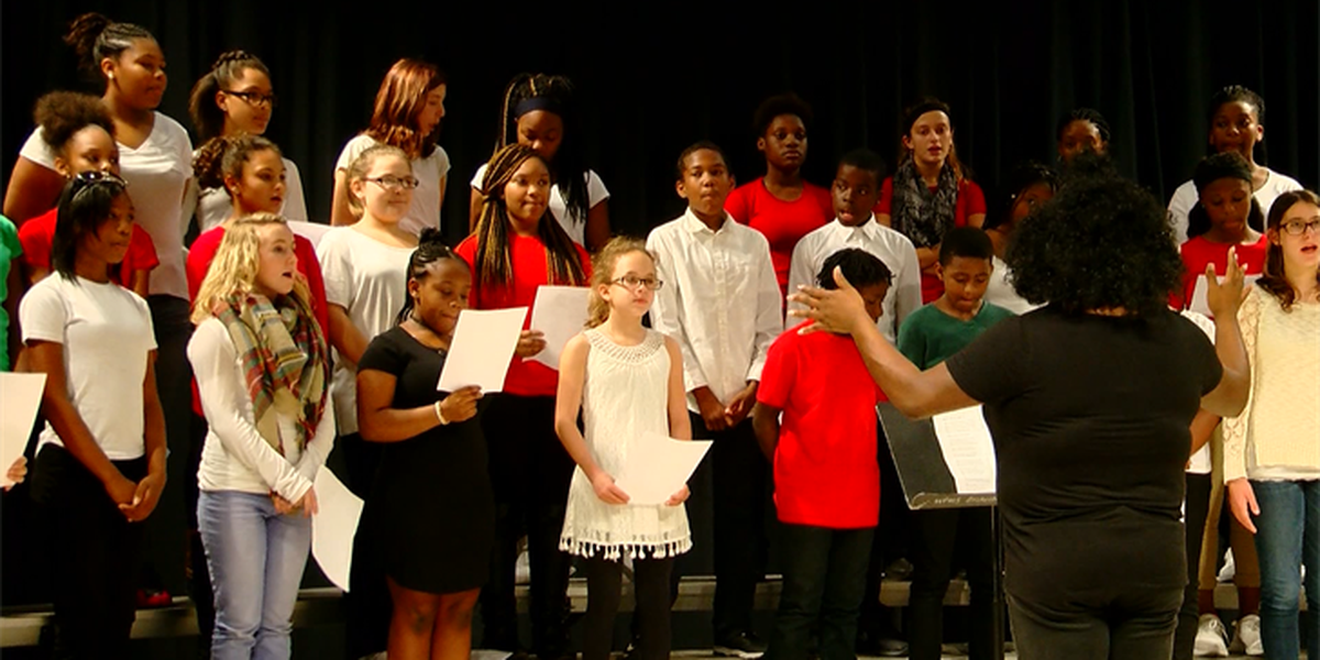Whittemore Park Middle School performs Christmas music