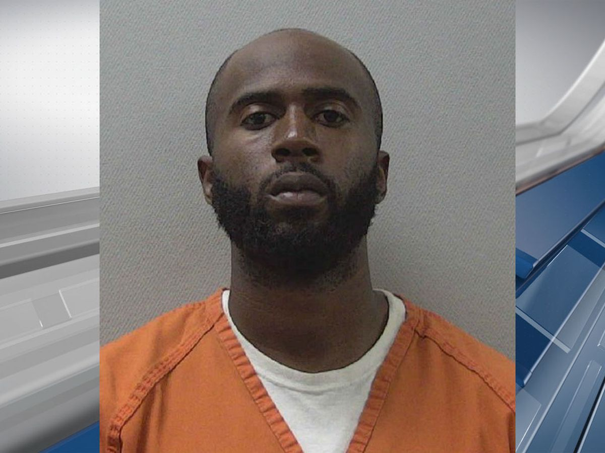 Ex-warehouse employee charged with stealing 2 pallets of crab legs, robbing security guard