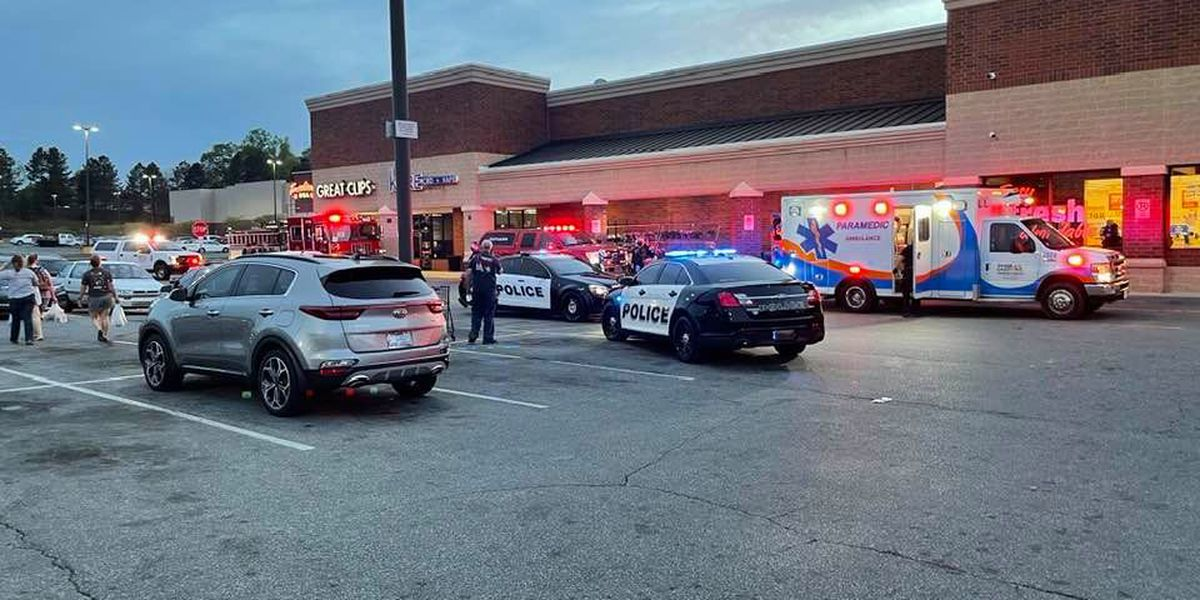 Man accidentally shot himself inside Food Lion store