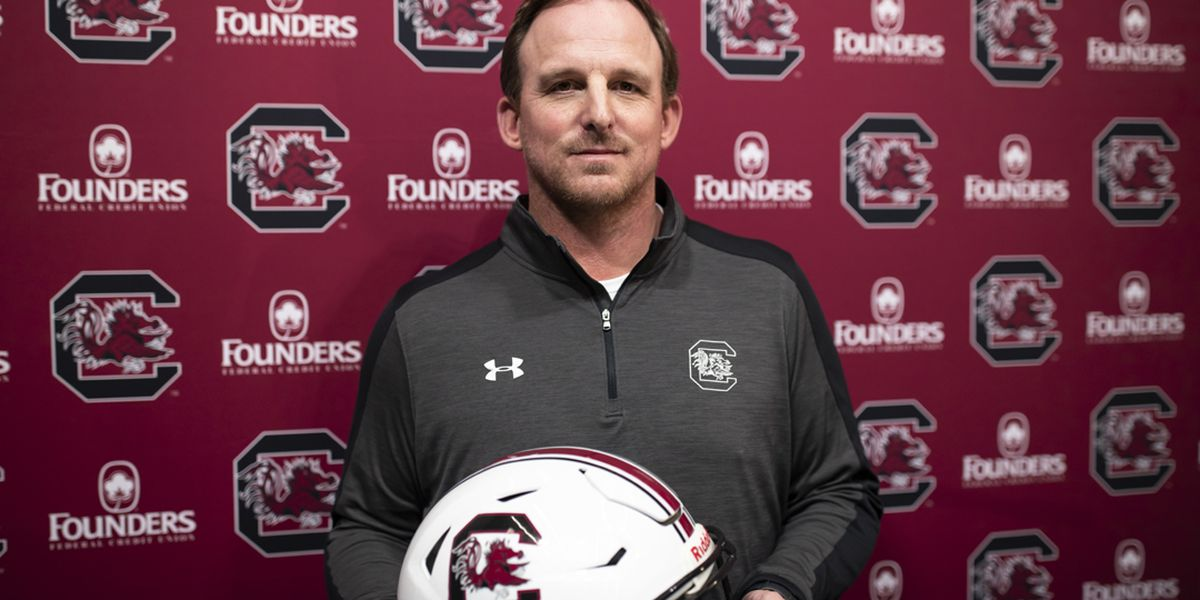 Satterfield promises 'exciting brand of football' as Gamecocks' new offensive coordinator