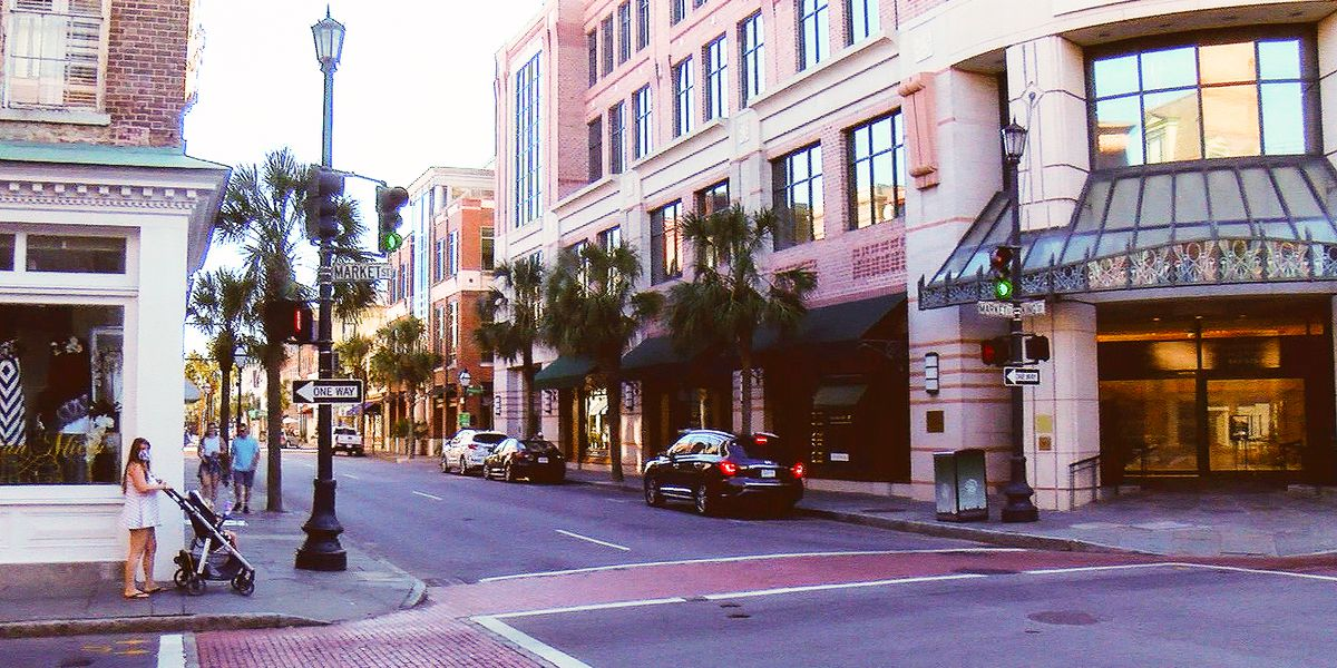 Charleston City Council considers banning free samples on King Street