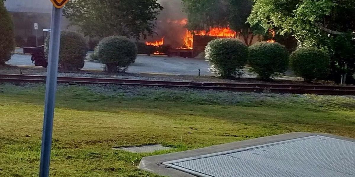 Fire damages Bonfire Restaurant in Conway Saturday morning