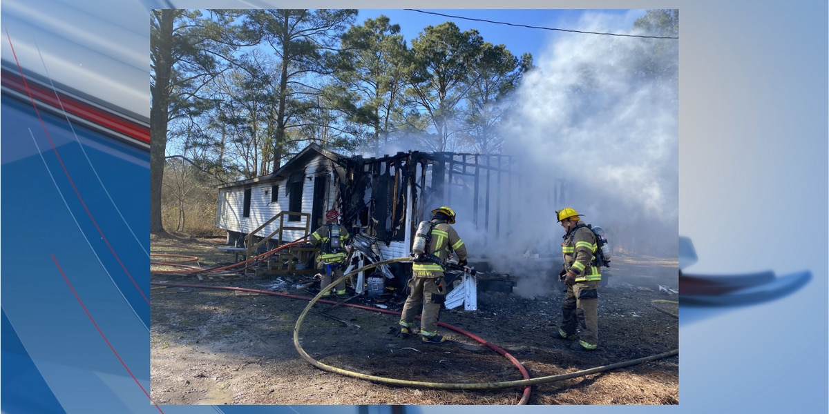 Structure fire under control in Loris, crews investigating
