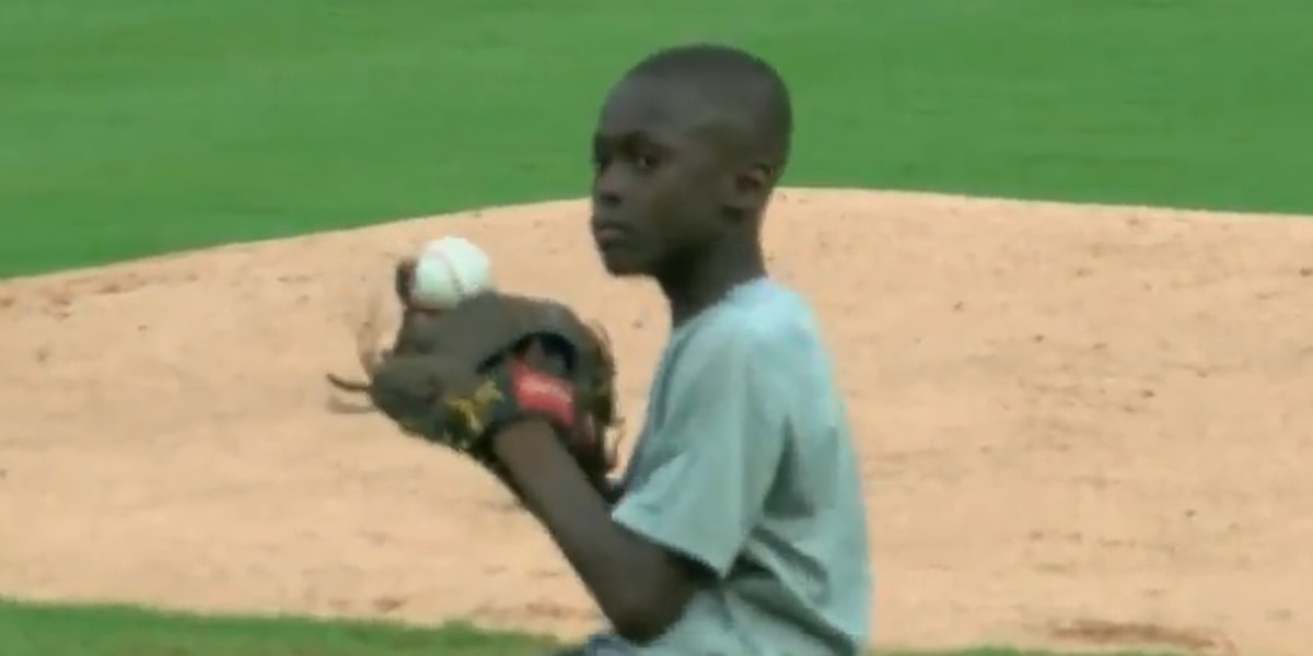Nine-year-old boy throws out first pitch at Pelicans game