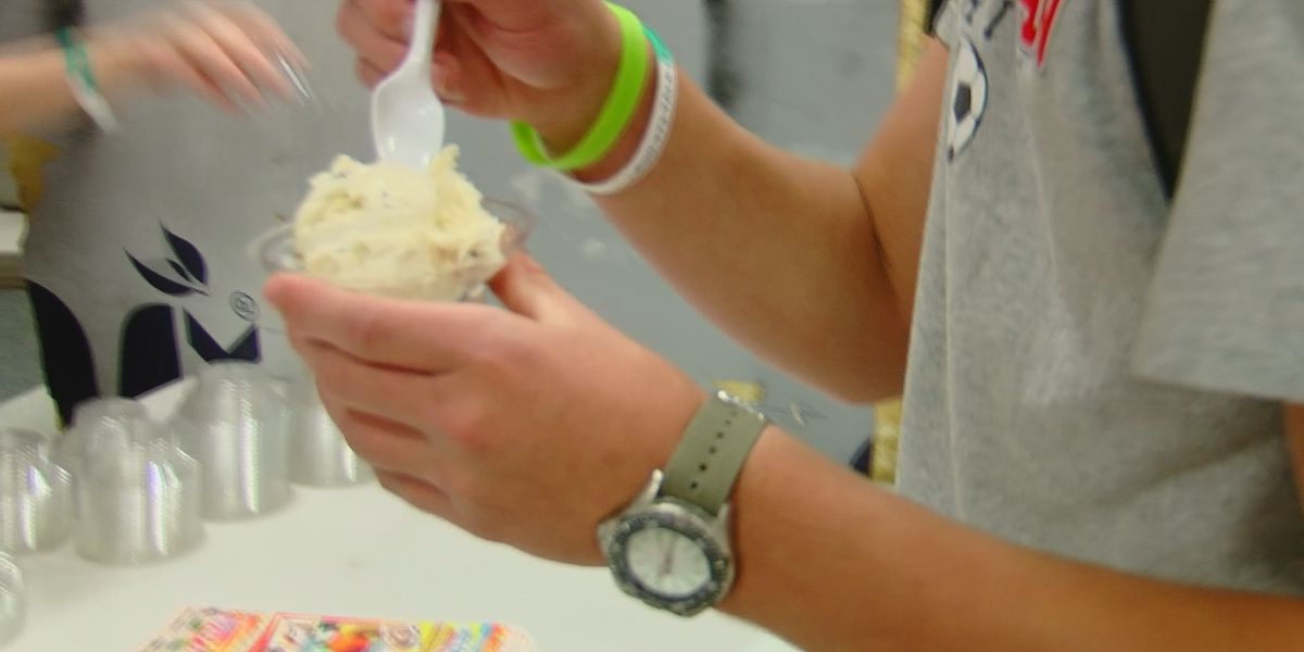 Waccamaw High School students get sweet treat following long, stressful year