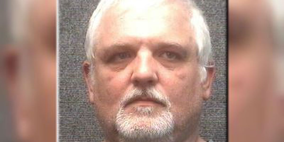 Myrtle Beach man ordered to turn in guns after threatening to bury woman
