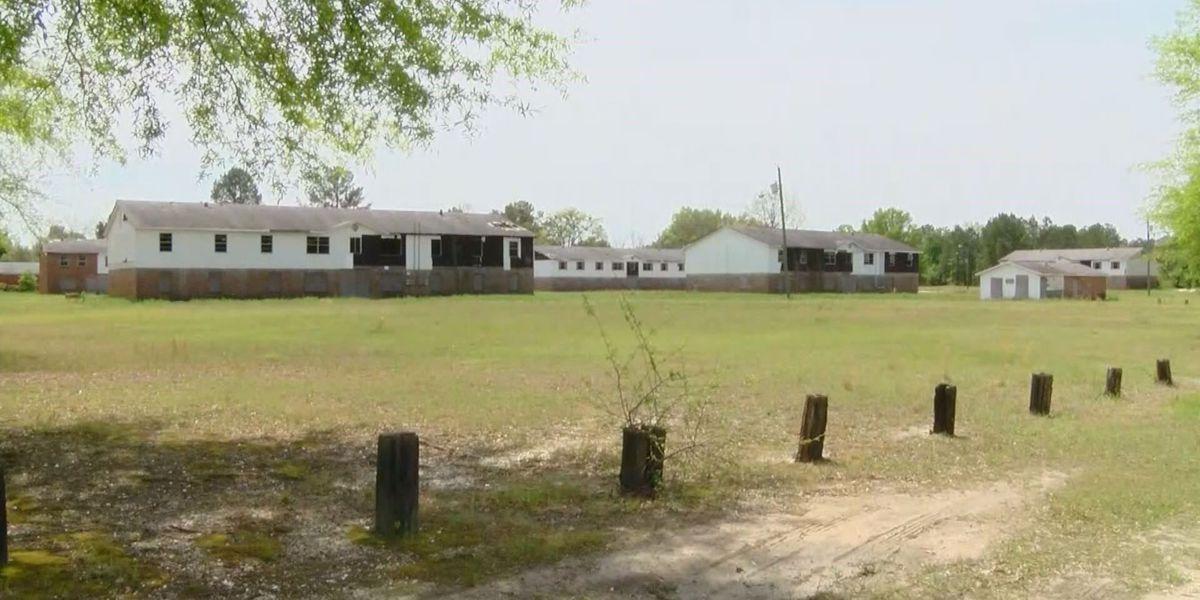 Hartsville begins demolition of dilapidated apartments