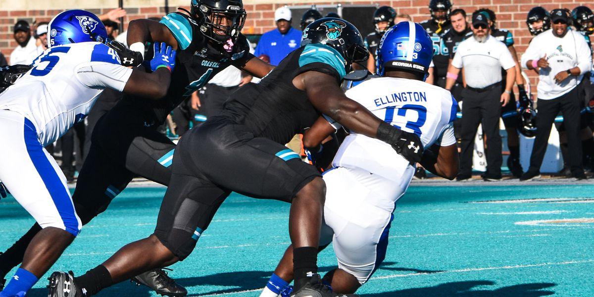 Ellington, Georgia State run over Coastal Carolina, 31-21