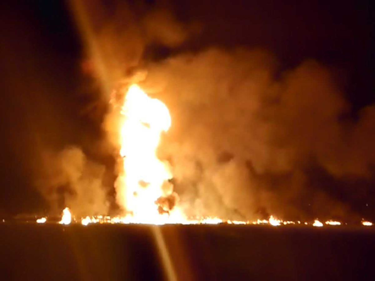 21 dead, 71 burned in fire at illegal tap on Mexico pipeline