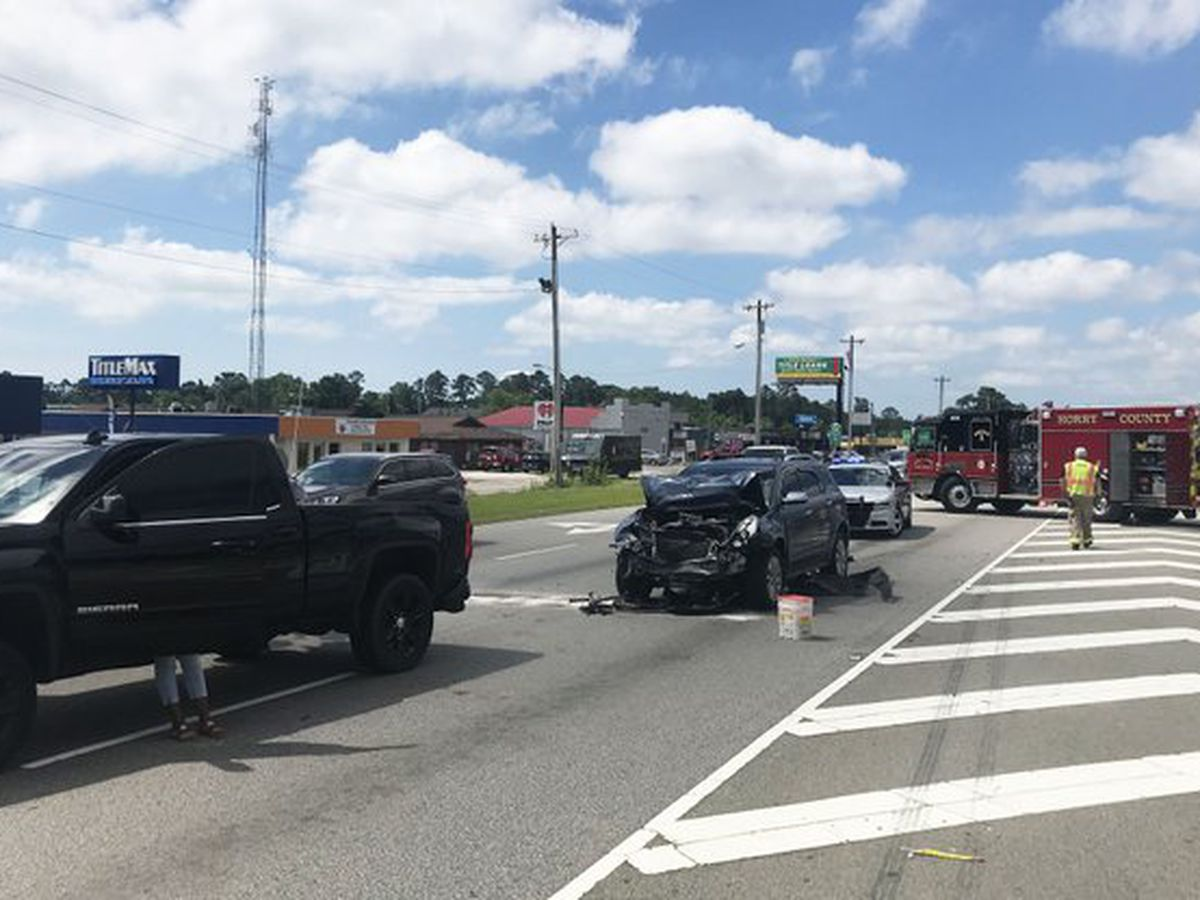 Two taken to hospital after crash at Palmetto Pointe Blvd., Highway 17