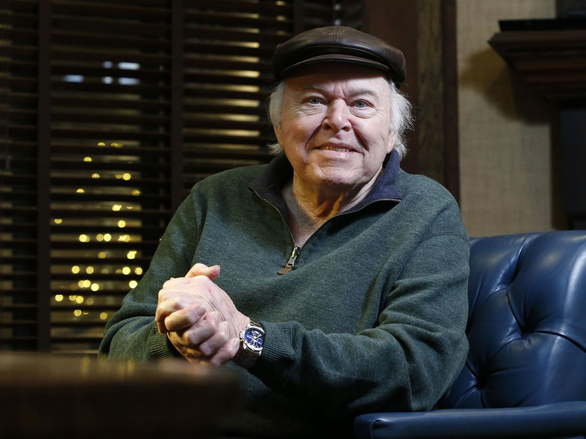 Memorial service set for 'Hee Haw' host, guitarist Roy Clark