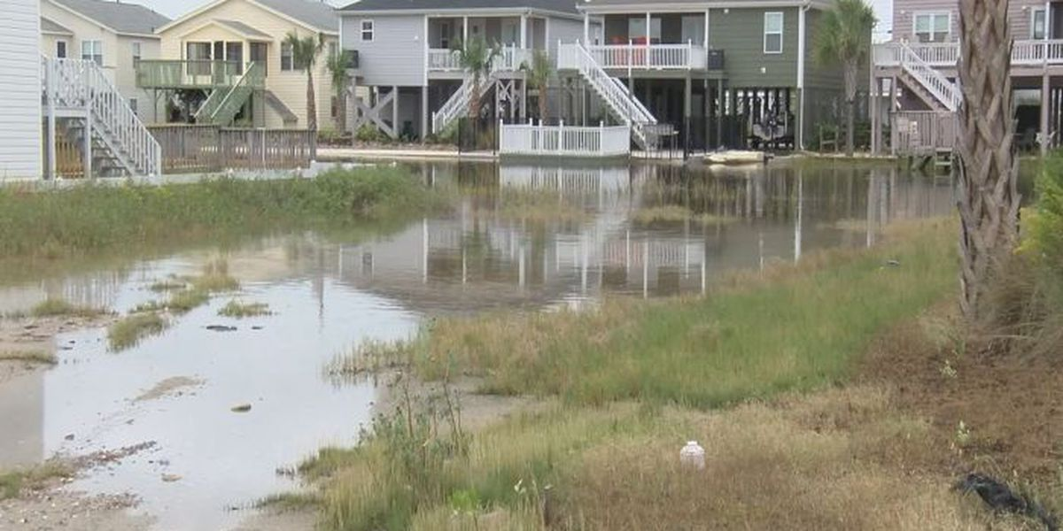 North Myrtle Beach homeowners clean up after flooding