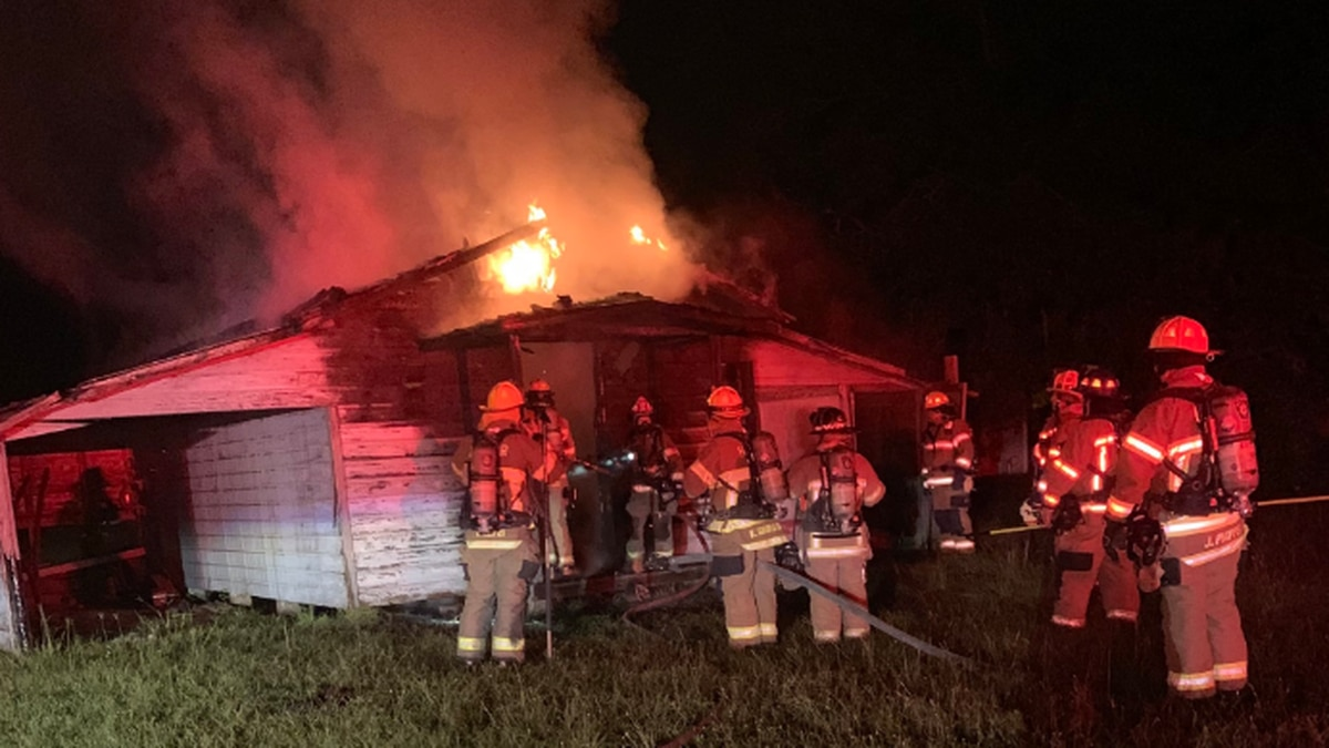 Crews battle structure fire in Conway
