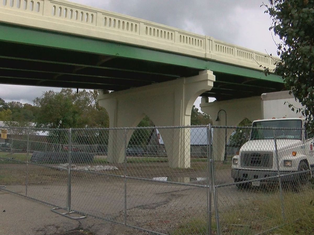 Crews hope to complete Conway Main Street Bridge repairs by end of October